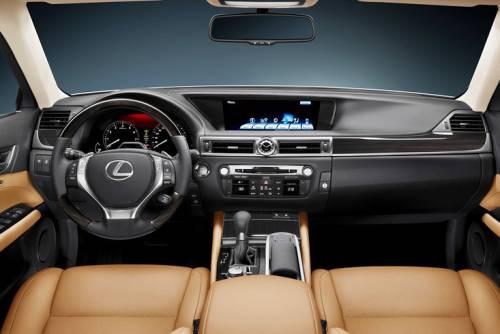 Lexus назвал российские комплектации нового GS