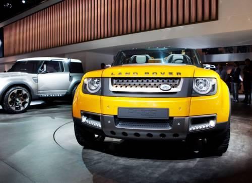 Land Rover покажет прототип нового Defender
