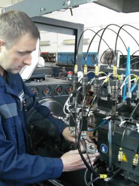 Проверку дизельной аппаратуры лучше проводить на специальном стенде