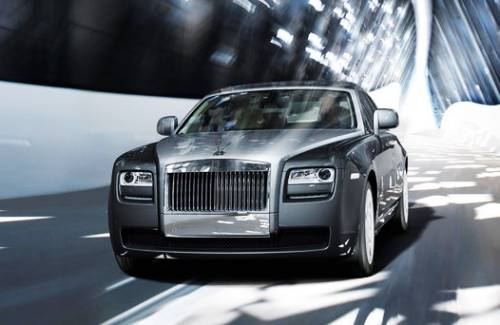 Rolls-Royce отзывает автомобили из-за опасности возгорания