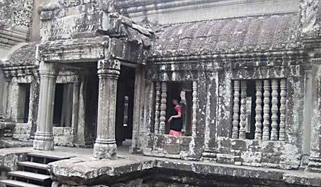 Одно из строений храма
