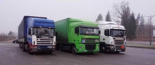 Парковка для грузовиков возле «Гостинного Двора»