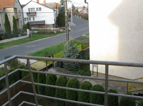 Частный отель OREL Apartments. Вид с балкона.